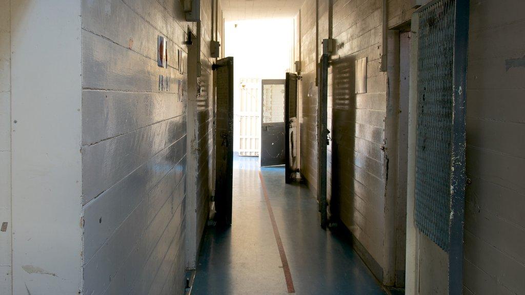 Napier Prison ofreciendo vistas interiores y elementos del patrimonio