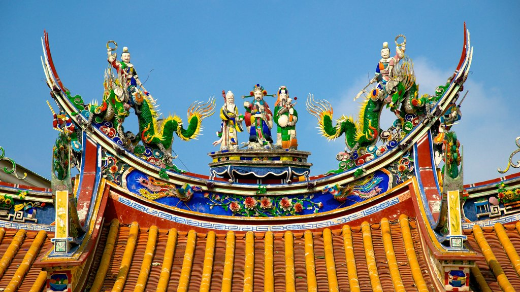Tainan featuring art and a temple or place of worship