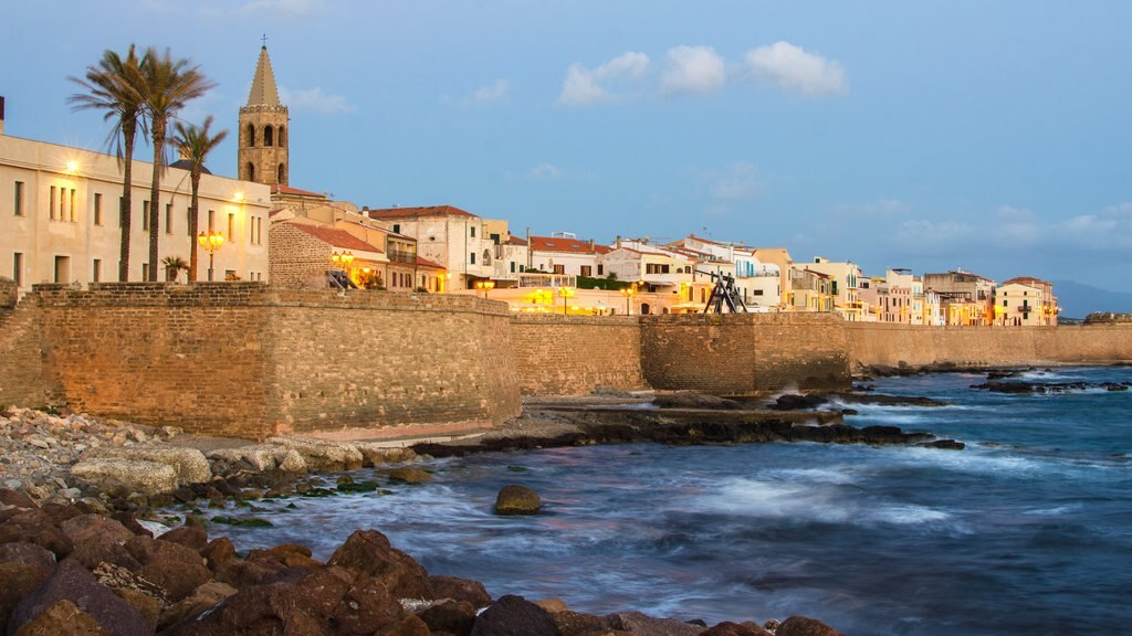 Alghero featuring a coastal town and general coastal views