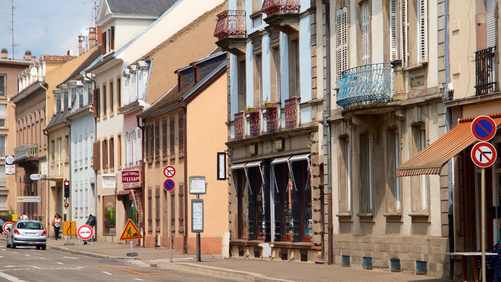 Colmar showing a city