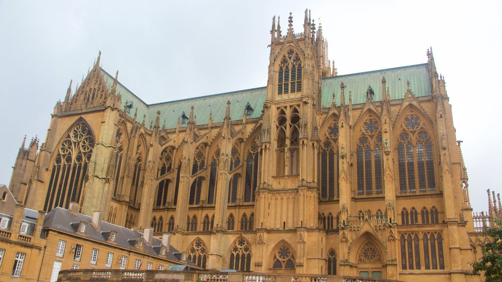 Metz Cathedral showing heritage elements, a church or cathedral and heritage architecture