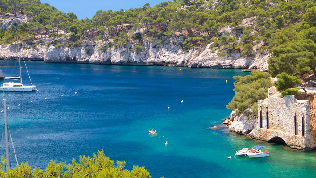 Calanques which includes sailing, tranquil scenes and a river or creek