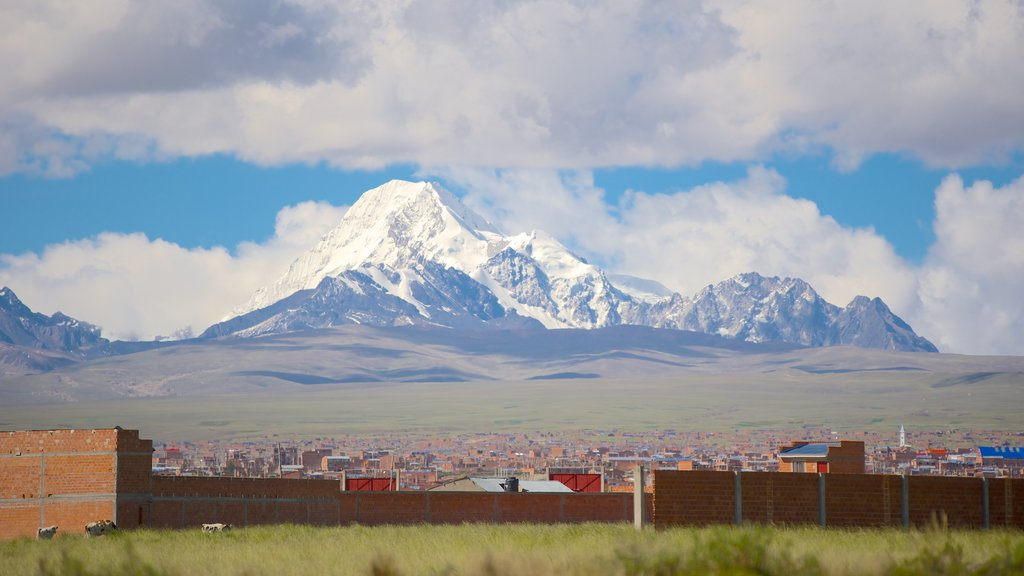 La Paz showing tranquil scenes, mountains and a city