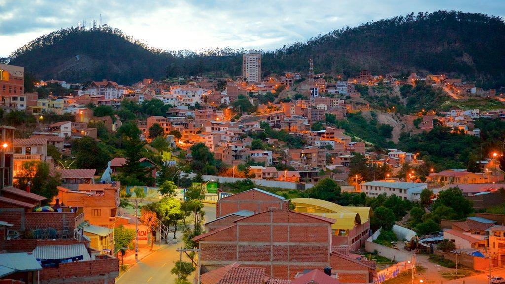 Sucre featuring a city