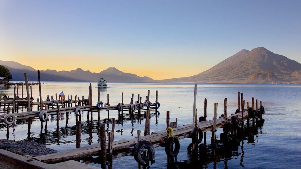 San Pedro La Laguna showing general coastal views, a bay or harbour and mountains