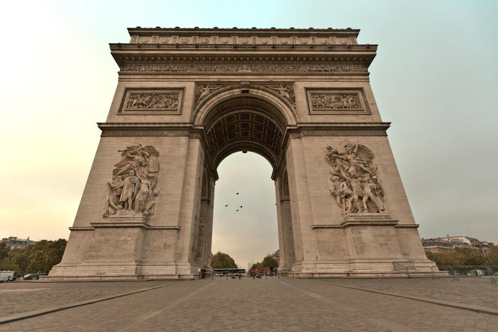 Arc de Triomphe - 75008 Paris - Crédit Imagizz- CMN.jpg