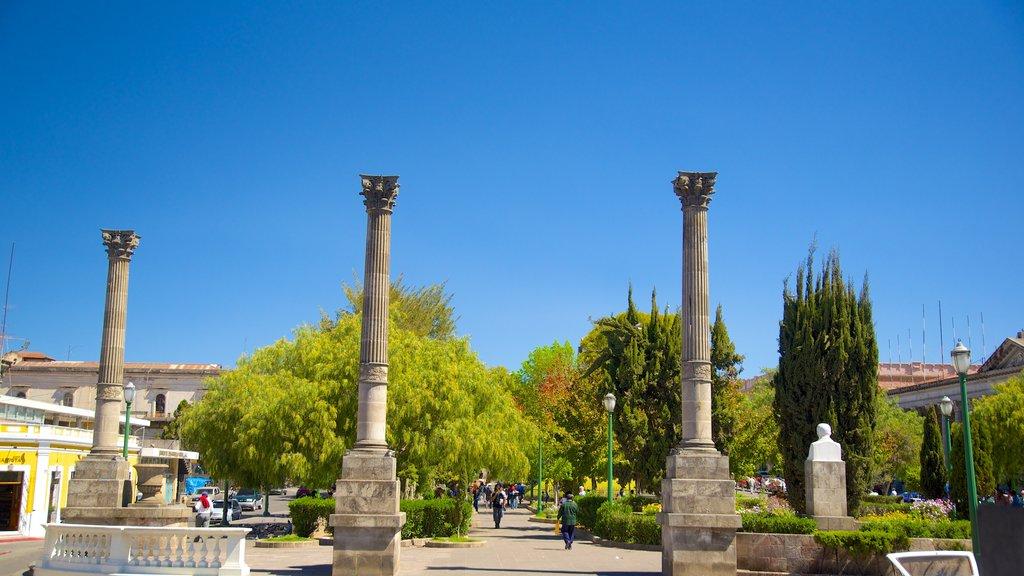Quetzaltenango Central Park featuring a square or plaza and a garden