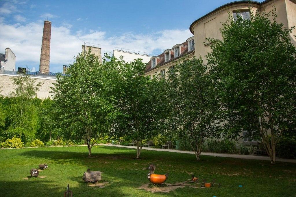 Jardin des Rosiers - Joseph-Migneret 2- 75004 Paris.jpg