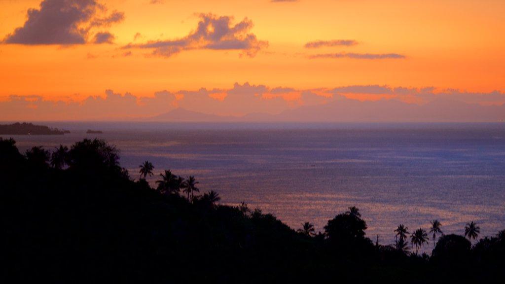 Samana showing general coastal views and a sunset