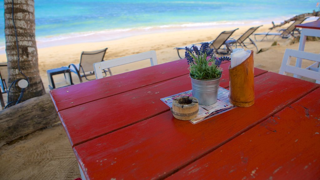 Las Terrenas featuring a beach and outdoor eating