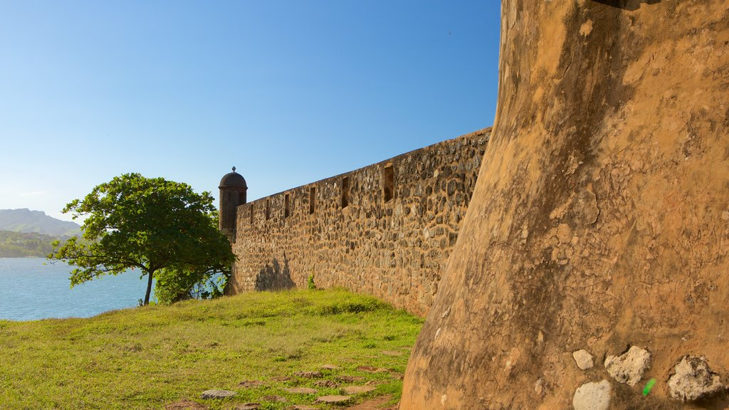 Fort San Felipe featuring military items and heritage elements