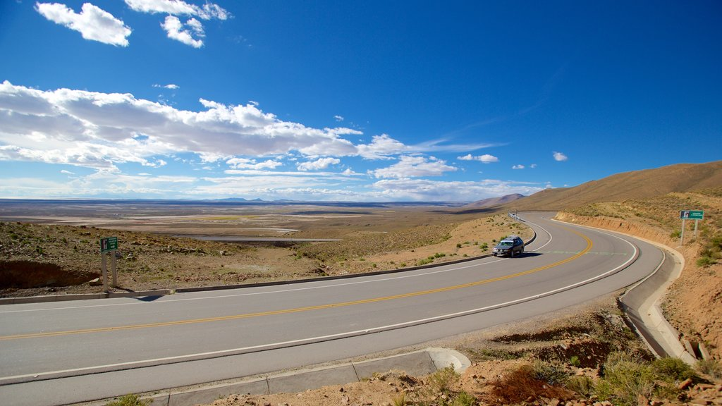 Uyuni showing landscape views and tranquil scenes