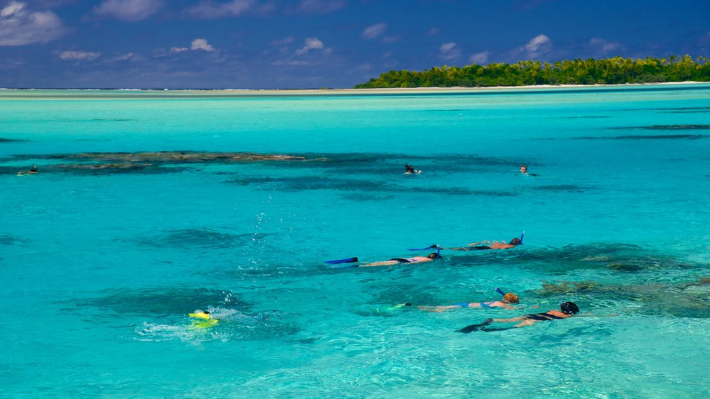 Aitutaki which includes general coastal views and snorkeling