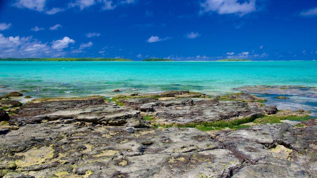 Aitutaki ofreciendo costa rocosa