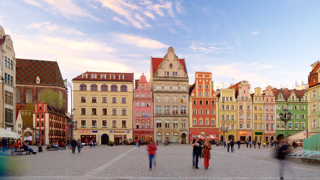 Wroclaw showing a square or plaza