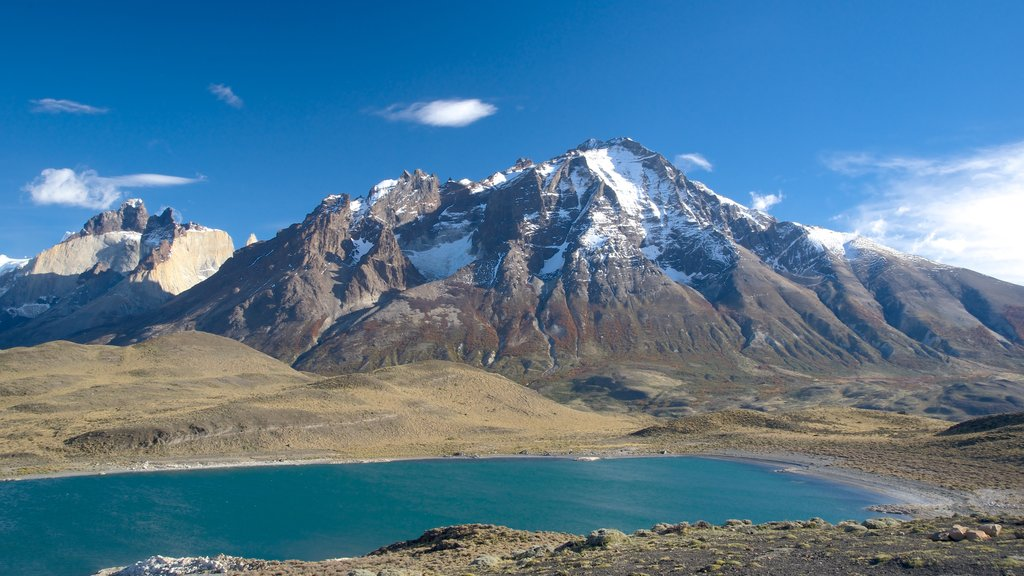 Torres Del Paine showing landscape views, mountains and a lake or waterhole