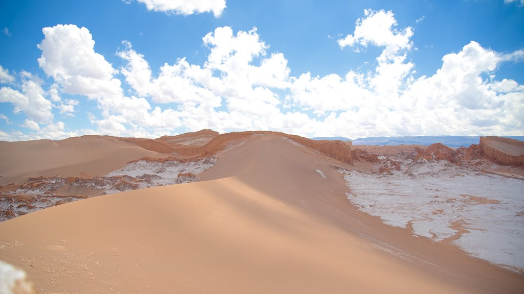 Valle de la Luna featuring landscape views and desert views