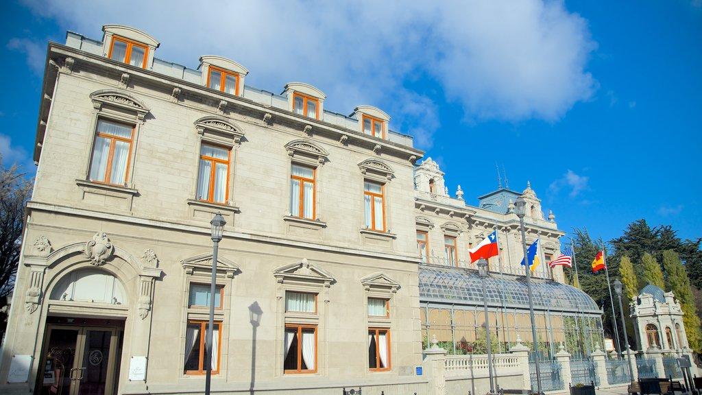 Palacio Sara Braun showing heritage elements