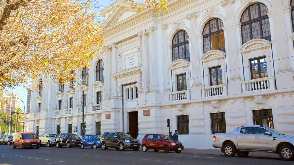 Biblioteca Santiago Severin featuring heritage elements