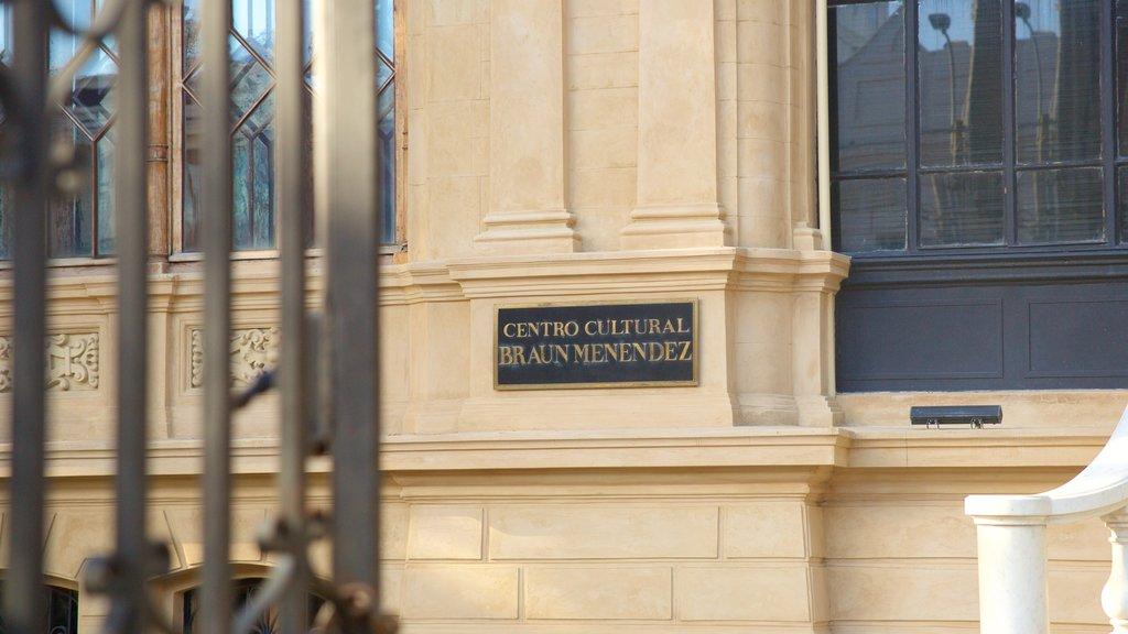Punta Arenas featuring signage