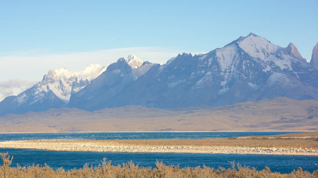Torres Del Paine showing a lake or waterhole, landscape views and tranquil scenes