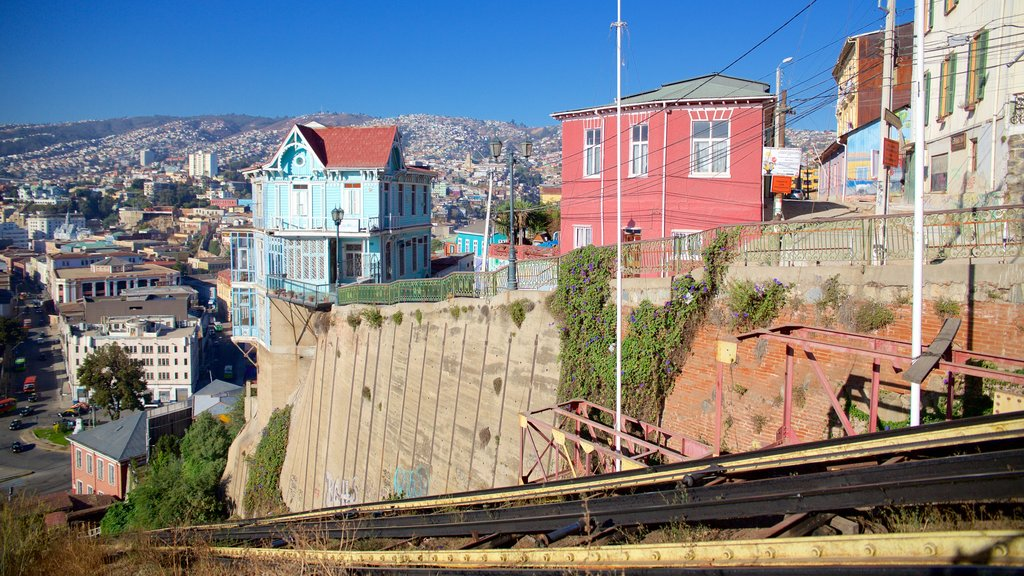 Valparaiso which includes a city