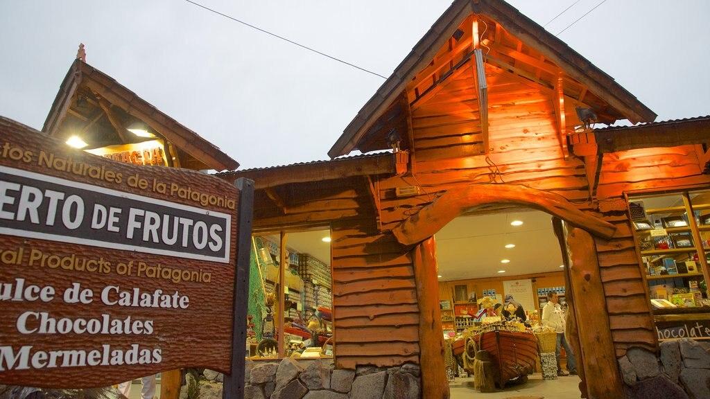 El Calafate featuring signage