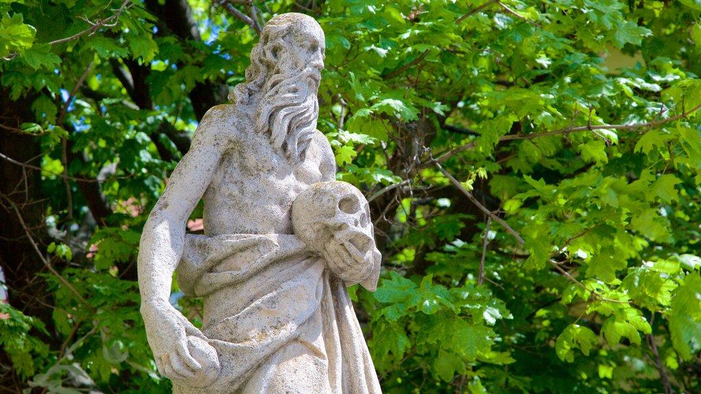Trnava showing a statue or sculpture