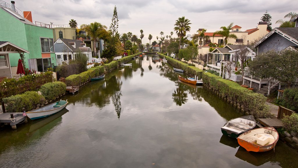 Venice Beach showing a small town or village, a river or creek and kayaking or canoeing