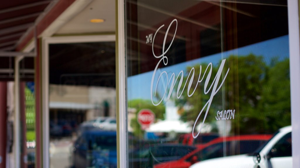 Round Rock showing signage