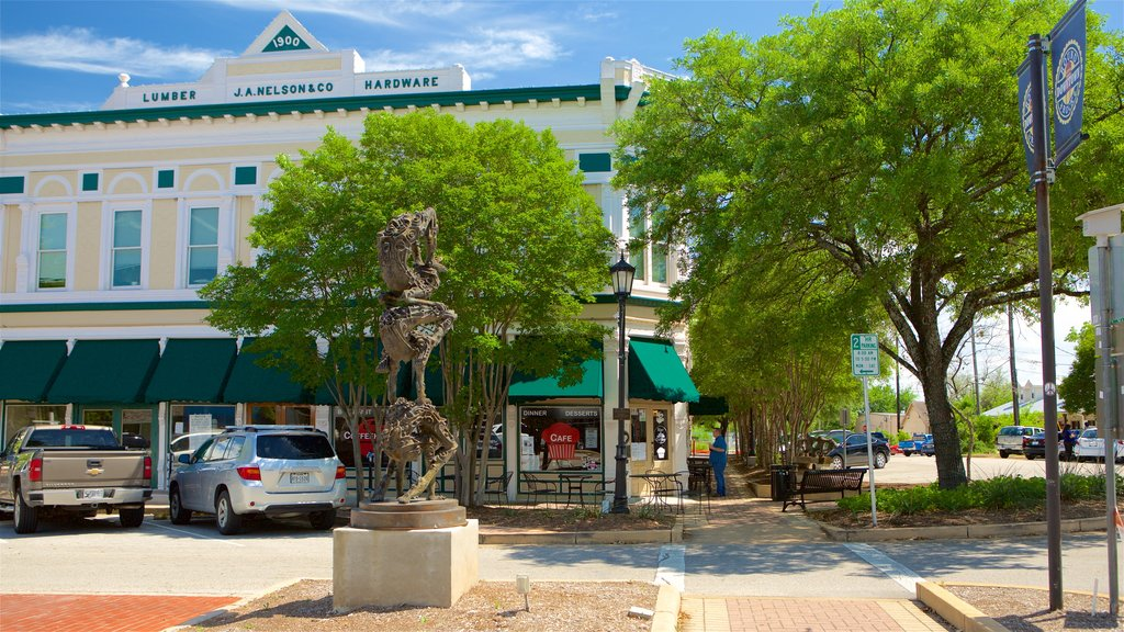 Round Rock showing a square or plaza and central business district