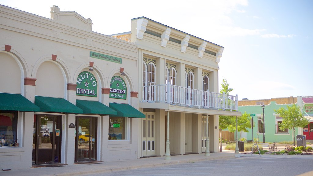 Hutto showing heritage architecture