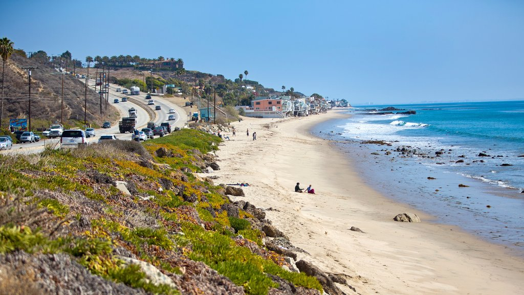 Malibu which includes a coastal town and general coastal views