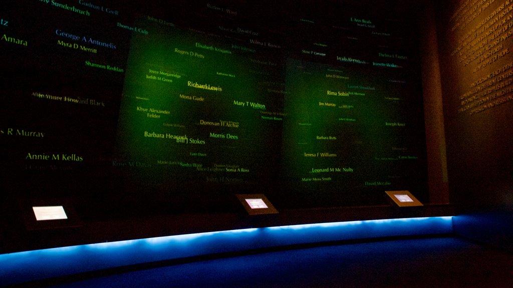 Civil Rights Memorial que incluye vistas interiores