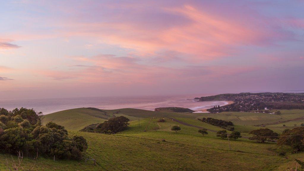 Kiama que incluye escenas tranquilas, tierras de cultivo y una puesta de sol