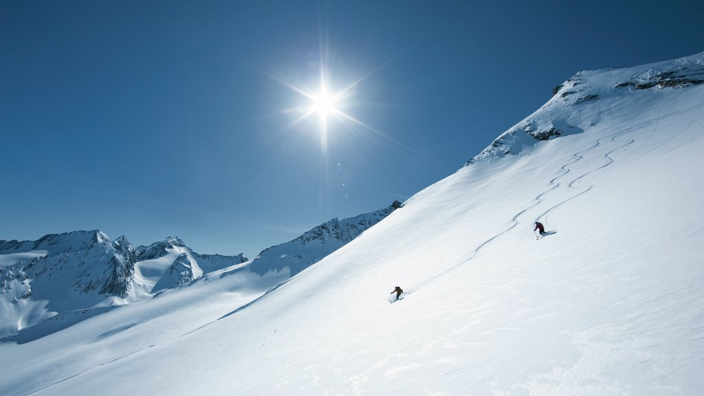 Obergurgl which includes snow, snow skiing and mountains