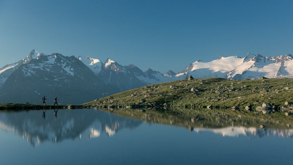 Obergurgl featuring a lake or waterhole and mountains