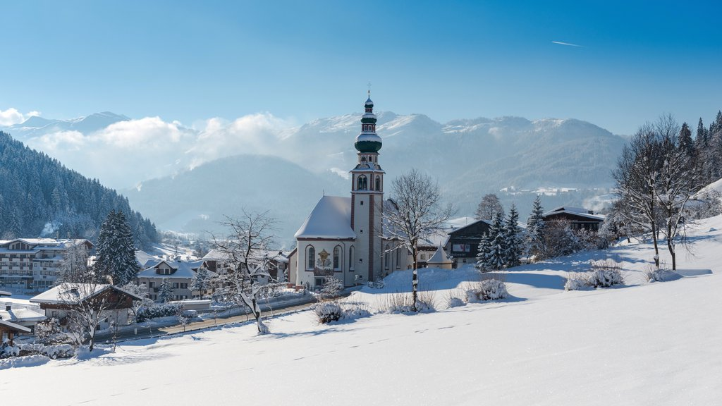 Ski Jewel Alpbachtal - Wildschoenau which includes snow and a small town or village