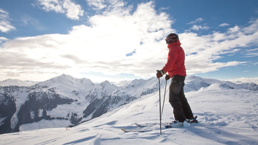 Ski Jewel Alpbachtal - Wildschoenau which includes snow, snow skiing and mountains