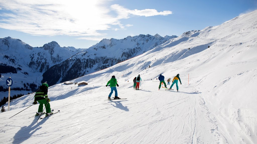 Ski Jewel Alpbachtal - Wildschoenau showing mountains, snow and snow skiing