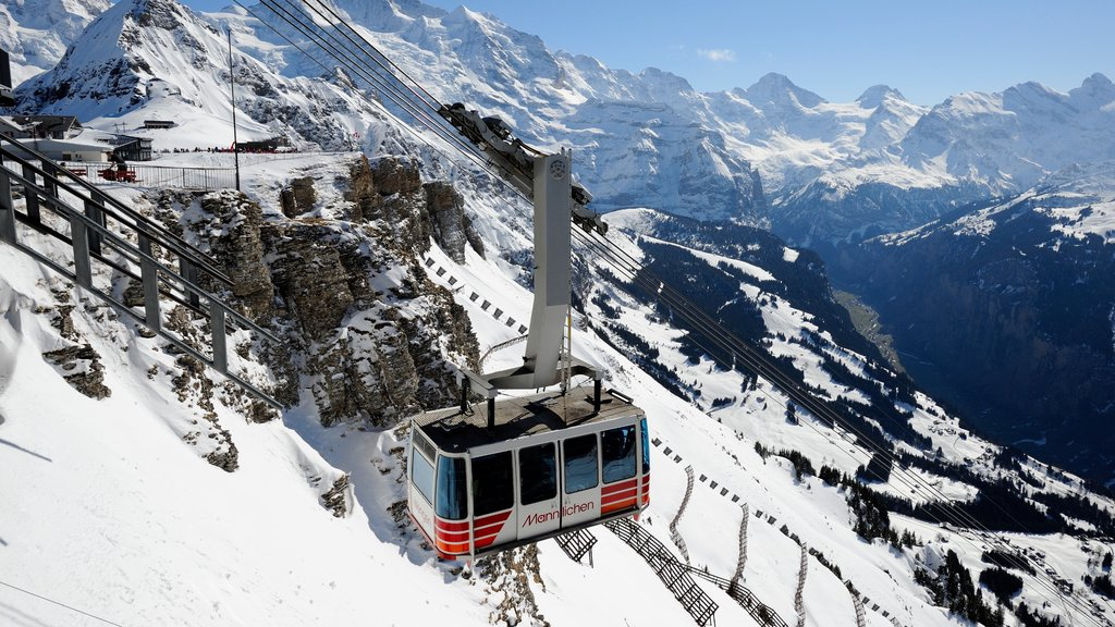 Lauterbrunnen which includes snow, a gondola and mountains