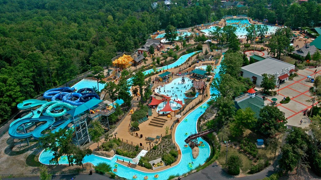 Hot Springs which includes a waterpark