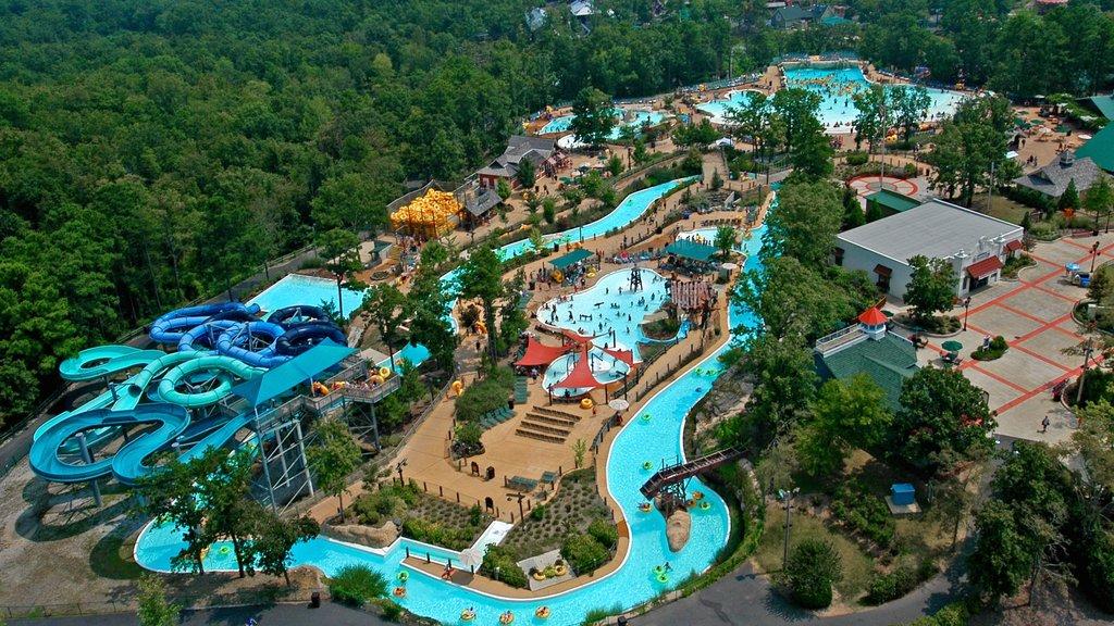 Hot Springs ofreciendo un parque acuático