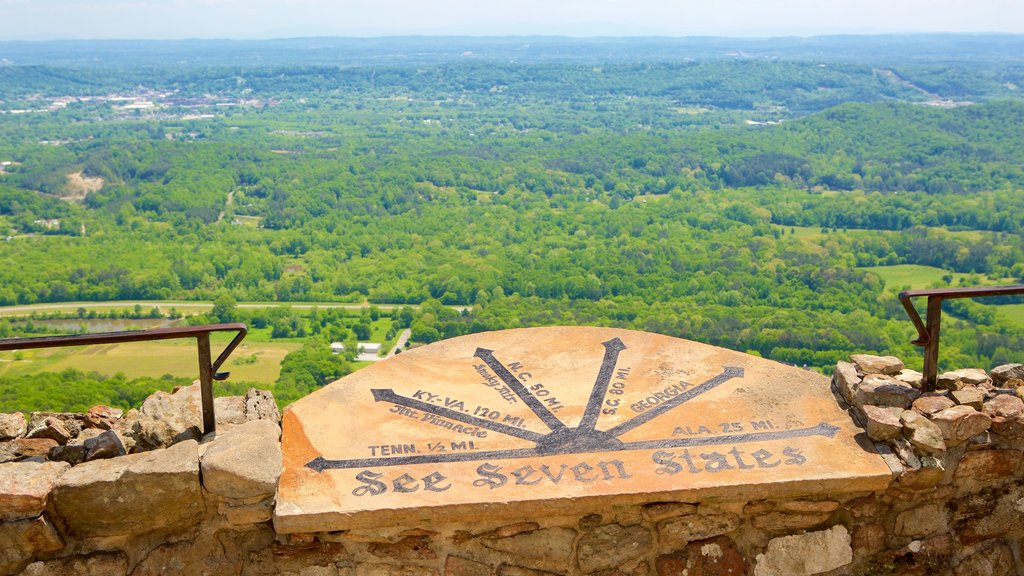 Lookout Mountain showing tranquil scenes, signage and views
