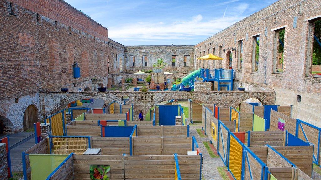 Museo de los niños de Savannah que incluye patrimonio de arquitectura y un parque infantil