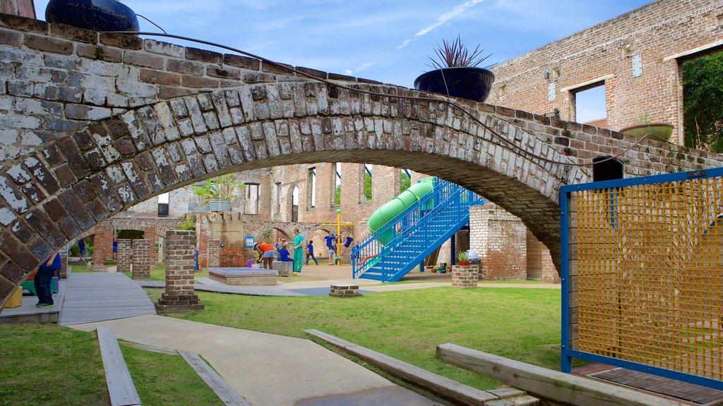 Savannah Children\'s Museum showing a bridge and a playground