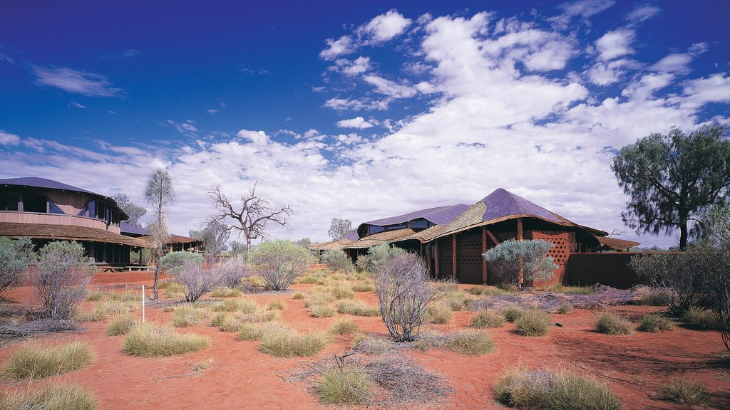 Parque Nacional Uluru-Kata Tjuta ofreciendo vistas al desierto