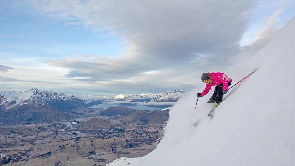 Coronet Peak Ski Area featuring snow skiing and snow