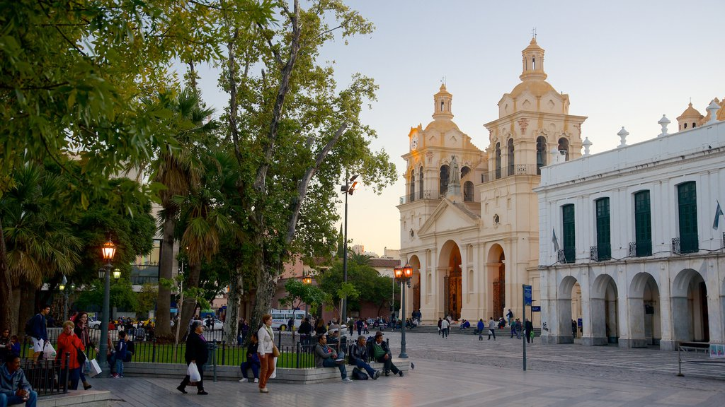 Plaza San Martin which includes a square or plaza and heritage architecture