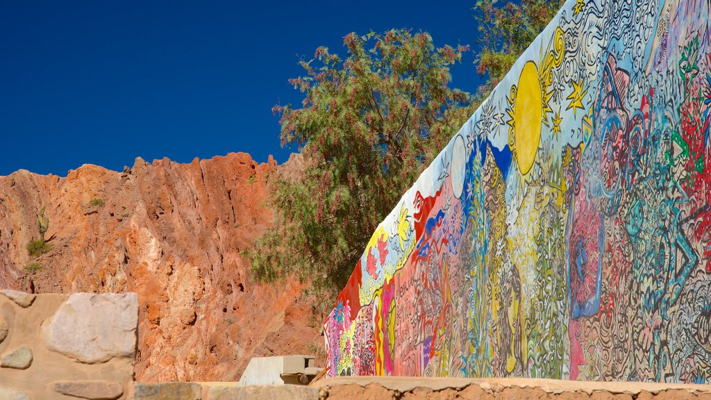 Purmamarca which includes outdoor art and desert views